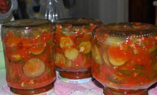 Огірки в томатному соусі